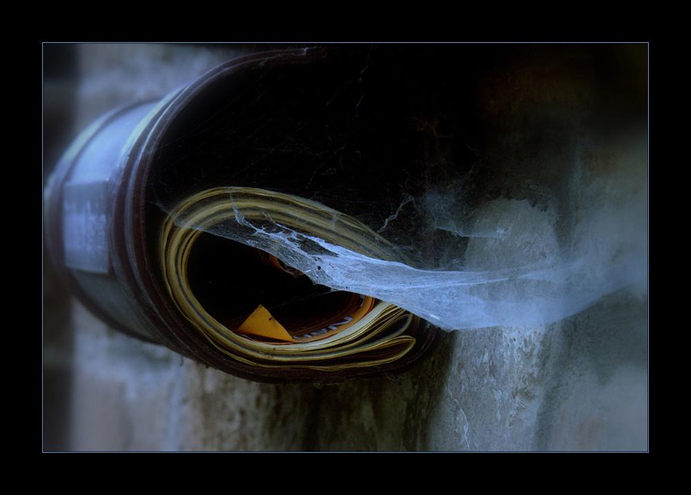 """""""...nichts ist älter als die Zeitung von gestern...!"""""""