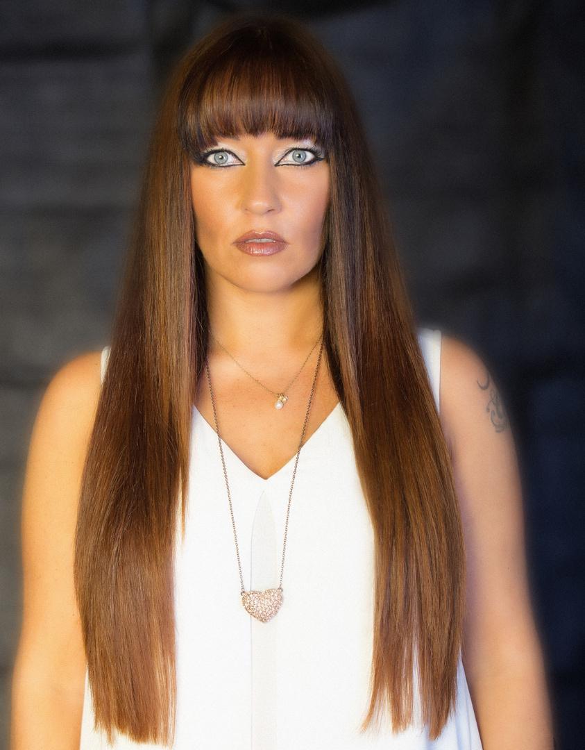 Nicole mit neuen Haarschnitt vom besten in Bamberg Friseur Serdal 2