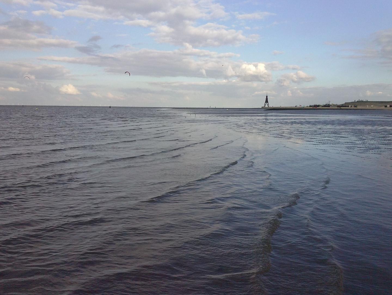 Niedrigwasser an der Kugelbake