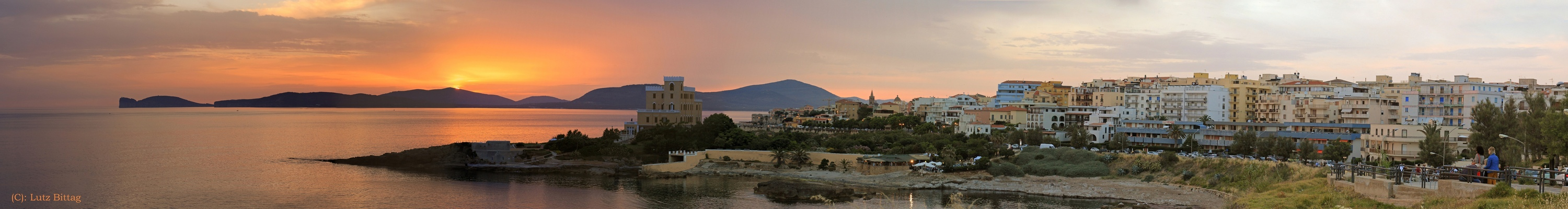 Night & Day in Alghero (Panorama zum Ziehen)