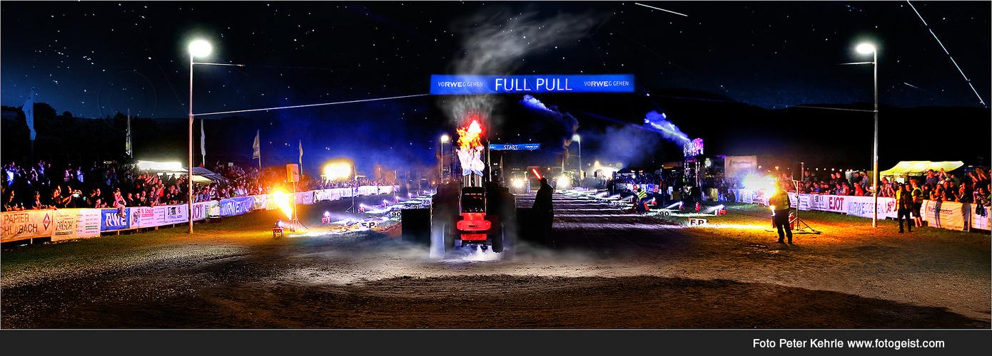 "Night Pulling  ""FULL PULL"" mit 10000 PS"