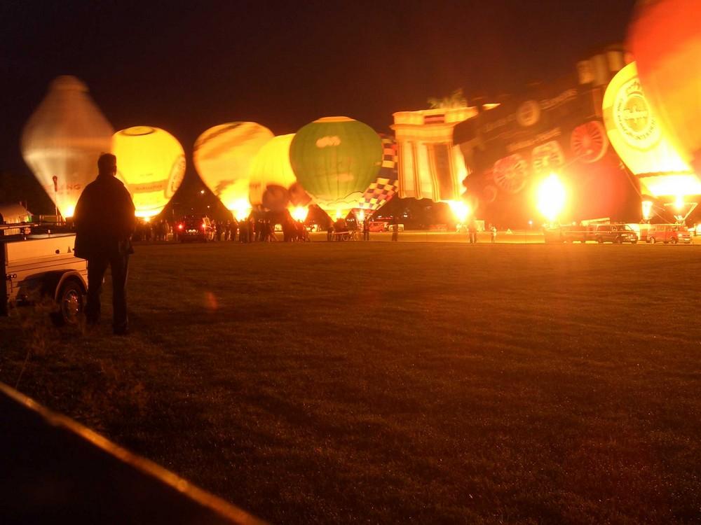 NIghtglow zur Kieler Woche auf dem Nordmarksportfeld