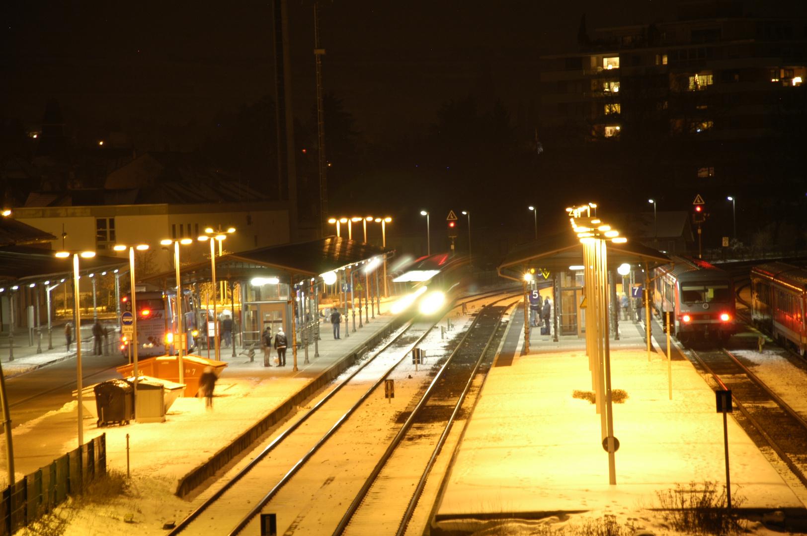 Nightshoot, Nachtleben am Bahnhof