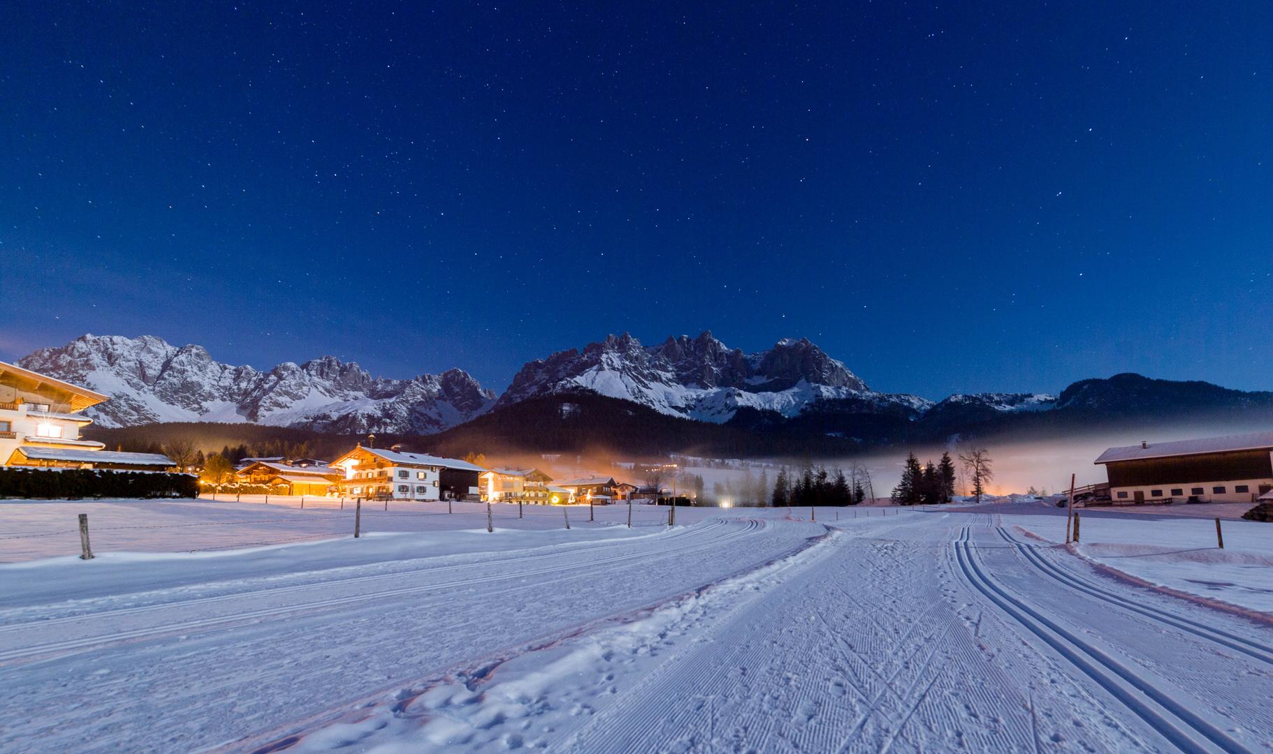 Nightwalk in the alps