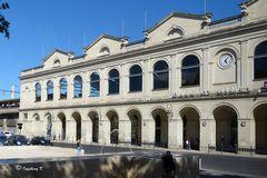 Nimes - Bahnhof - eine kleine Auszeit für neue Entdeckungen