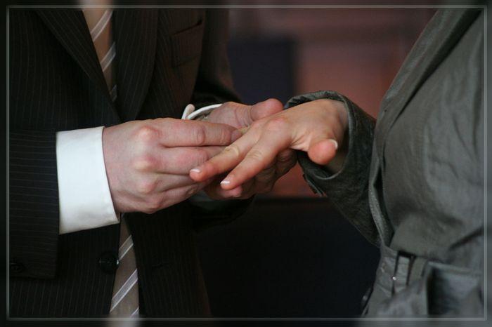 Nimm diesen Ring, als Zeichen meiner Liebe zu Dir....