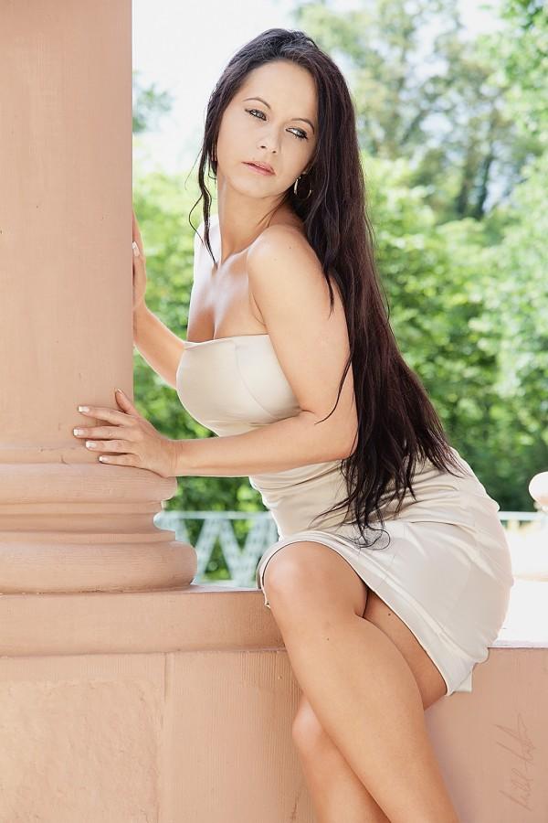 Nina Teza