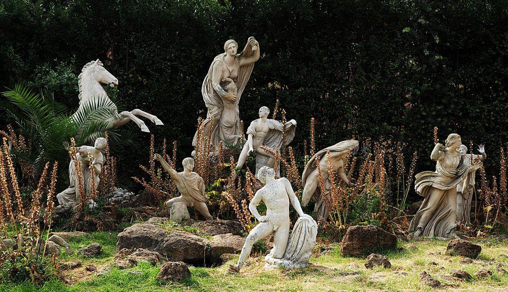 Niobe in der Villa Medici - inmitten von Akanthus