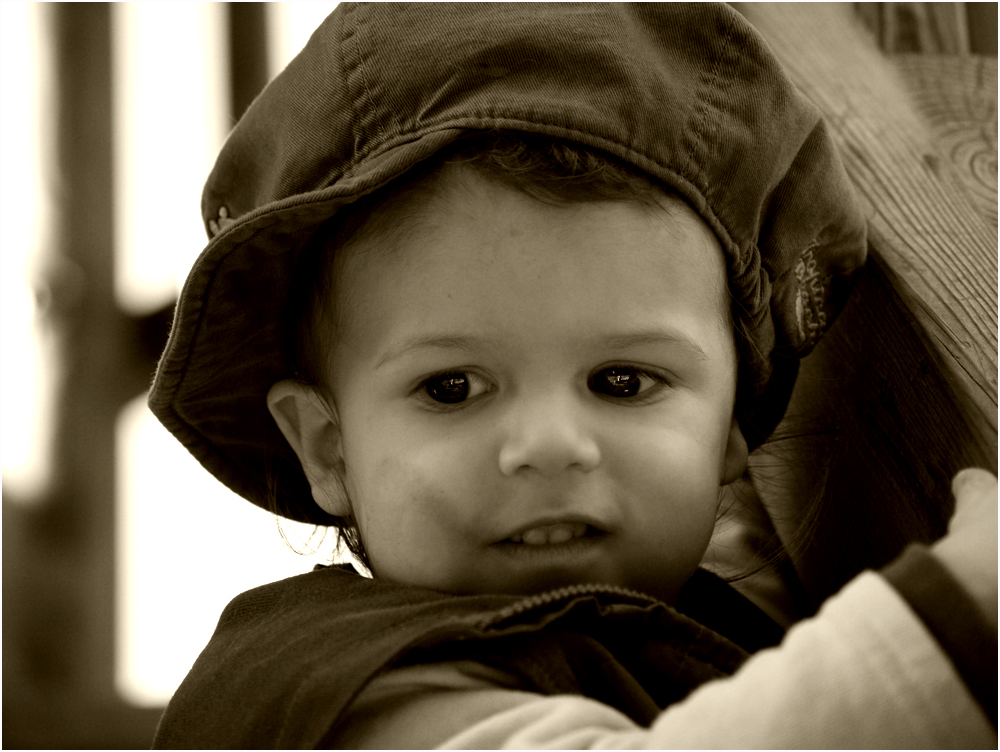 """""""Niños anhelan el amor, elogio y atención.................................."""""""