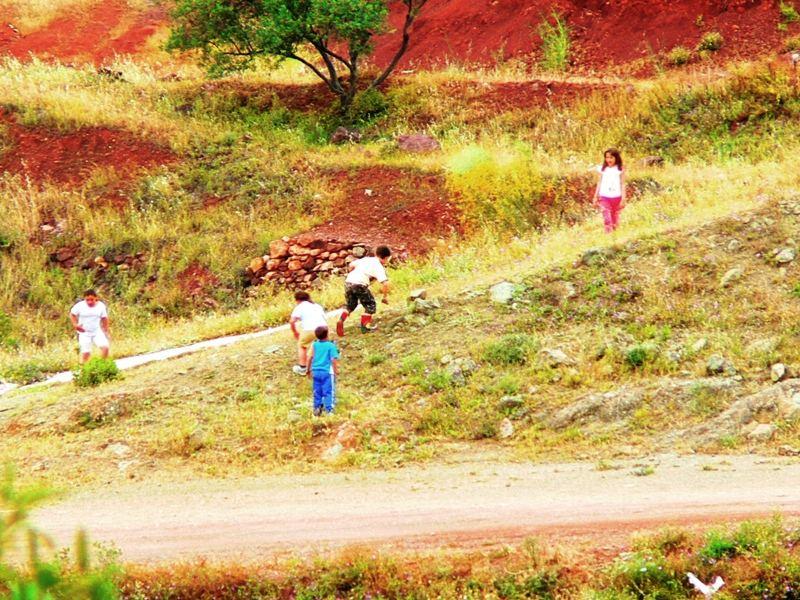 niños jugando --