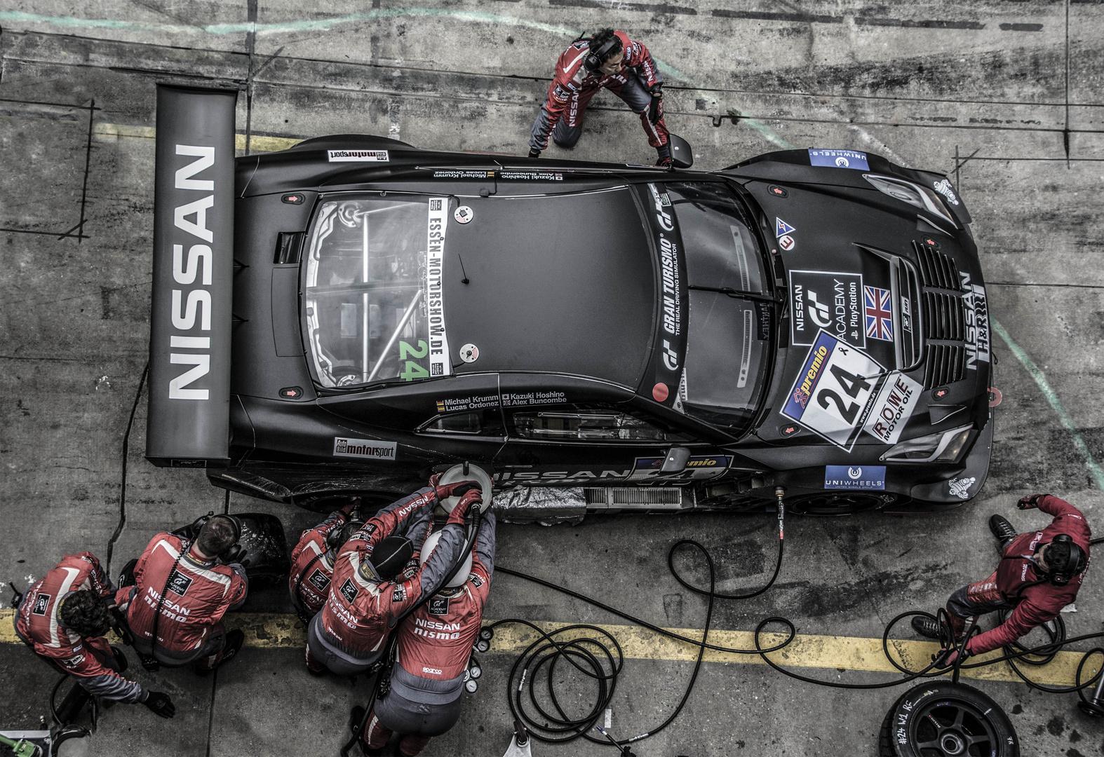 Nissan GTR Boxenstop