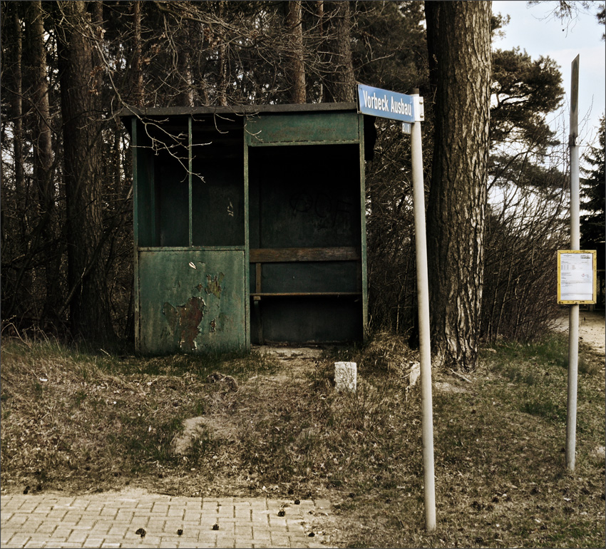 "*Nix los in Vorbeck Ausbau* - *Sind alle in ""da town"" - nach dem Osterhasi schau'n*"