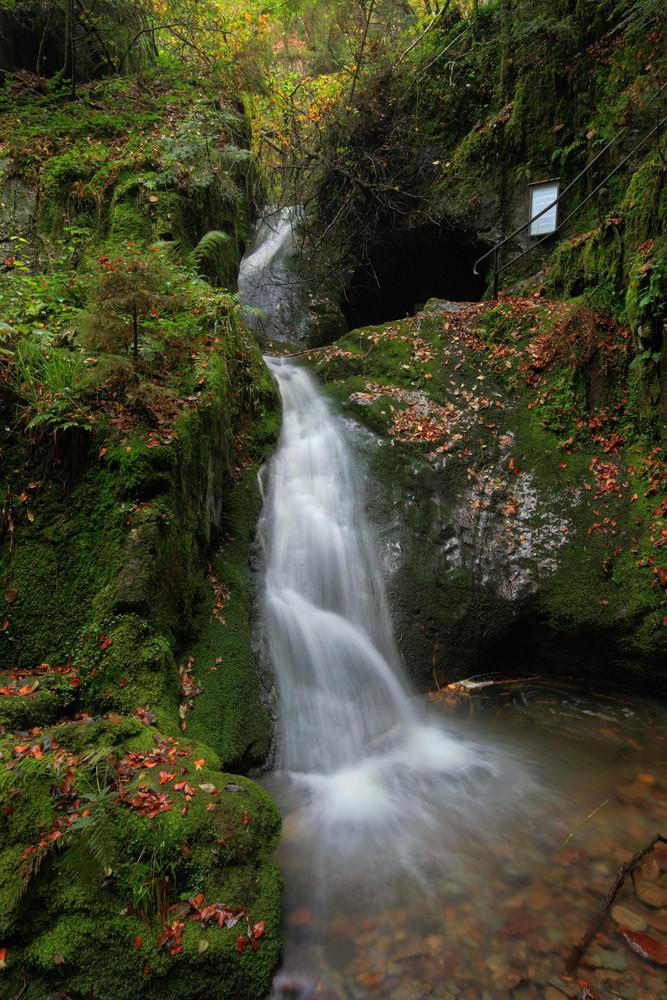 noblewomangrave waterfall