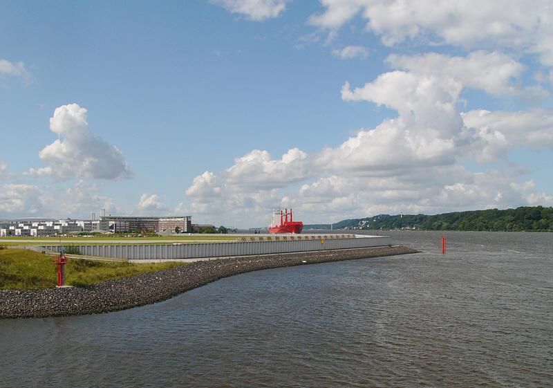 Noch ein Blick ins Land:-) Die Elbe hinab!