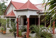 Noch ein wunderschönes Haus in seychellisch-kreolischer Bauweise im Zentrum von Victoria