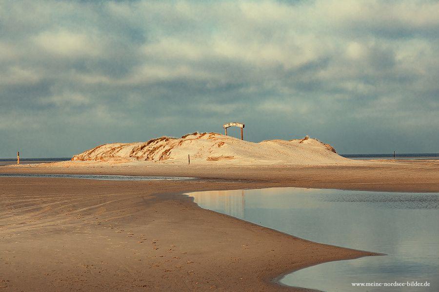 Noch ist es leer und ruhig am Strand...