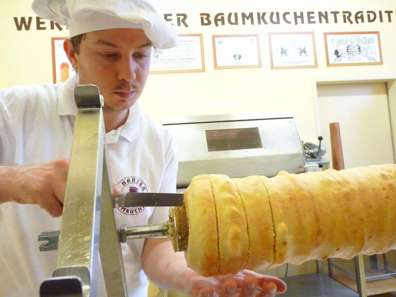 Noch warme Baumkuchenprobe in Wernigerode