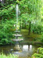 noch weitere 100 Jahre Brunnen sehen vor der Stukenbrock-Villa
