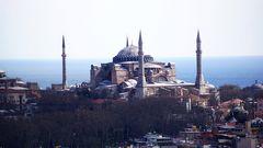 Nochmal die Hagia Sofhia diesmal vom Galata Turm aus mit allen vier Minaretten