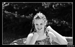 nochmal Laura im Pool