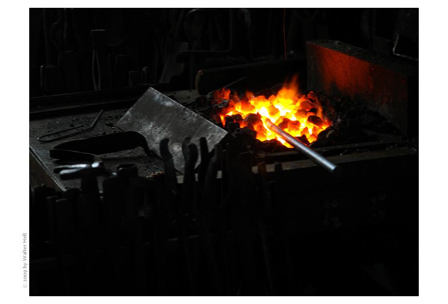 Noch'n Eisen im Feuer ...