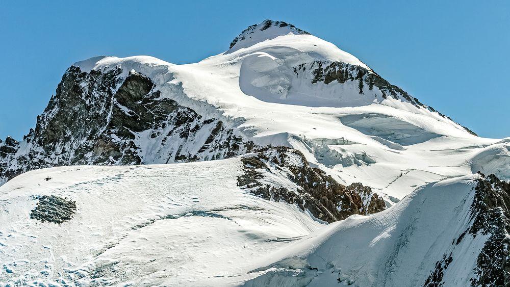 Nördlicher Gipfelaufbau der JUNGFRAU (4.158m N.N.)