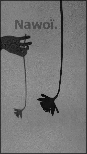 Noir.