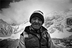 Norbu Sherpa, Träger