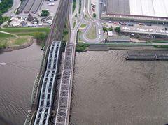 Norderelbbrücken sind es nicht!! Freihafenbrücken!