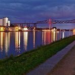 NordostseeKanal mit Rendsburger EisenbahbHochBrücke beim Lichterfest
