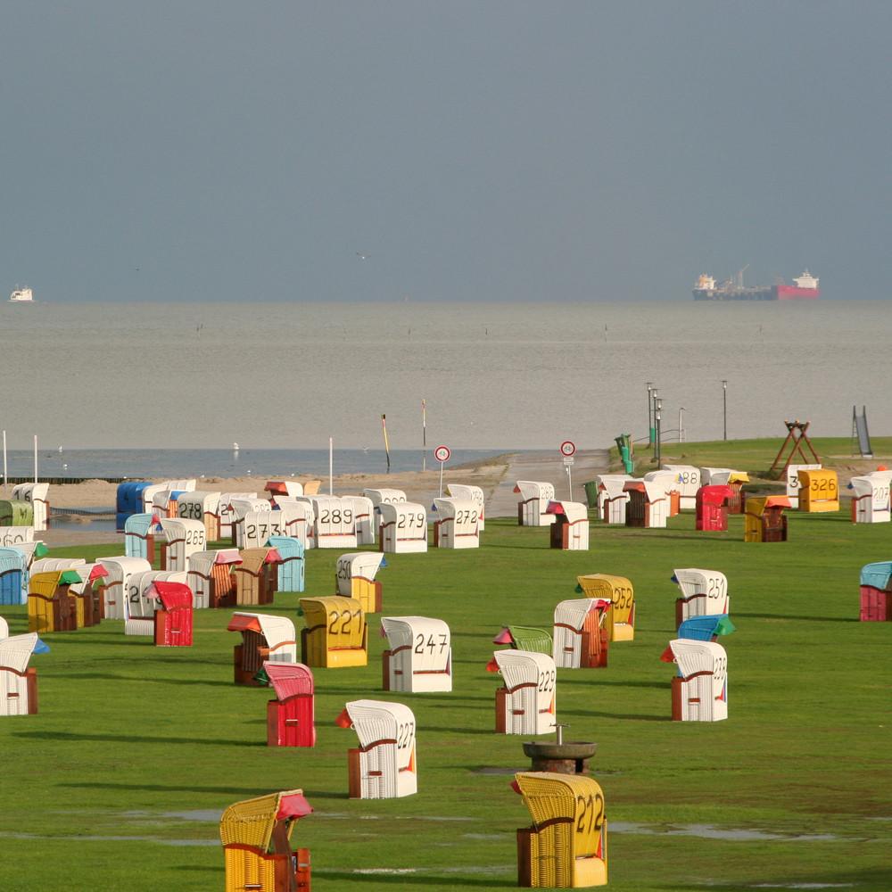 Nordsee mit ganz vielen Strandkörben