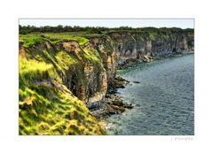 - normannische Steilküste am Pointe du Hoc -