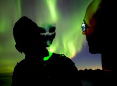 northern-lights-Aliens
