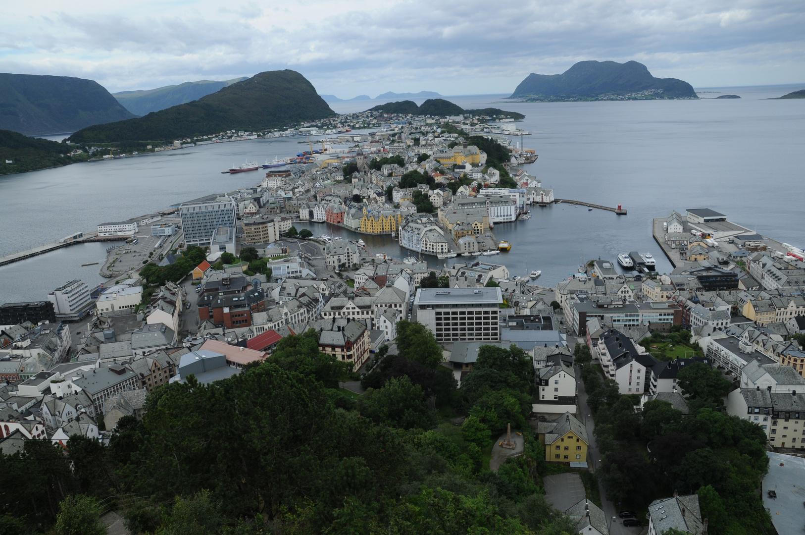 Norvegia: Alesund di primo mattino
