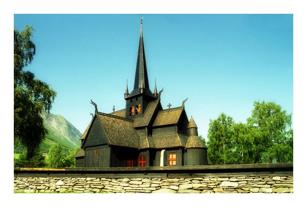 Norwegen: Stabkirche von Lom