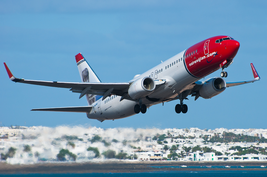 Norwegian B737 LN-NOW taking off from Lanzarote (Oct2013)