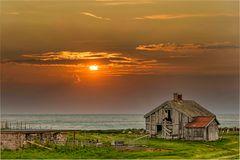 Norwegische Hütte mit dänischem Himmel