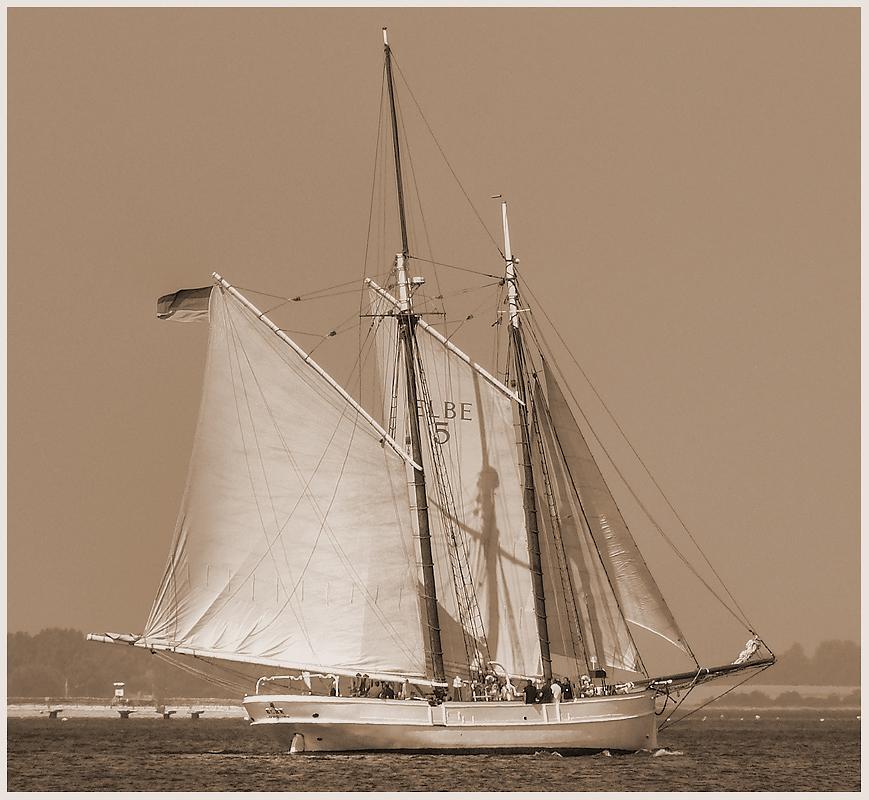 Nostalgie -- Elbe 5 --, gebaut Anno 1883