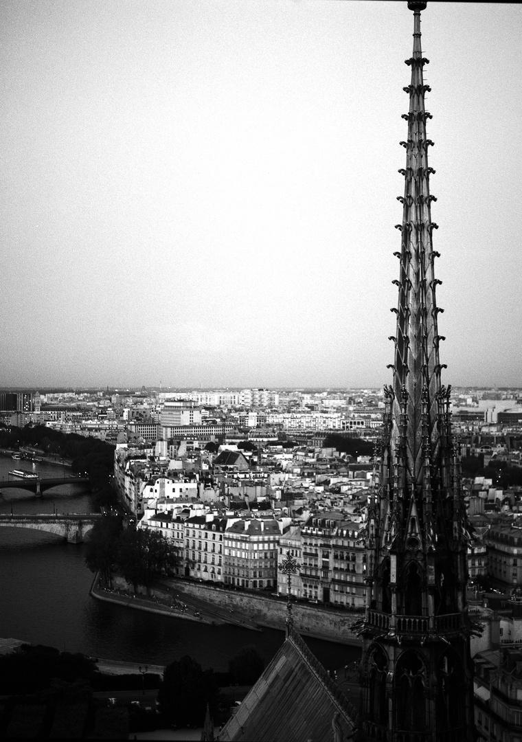 Notre_Dame_2016