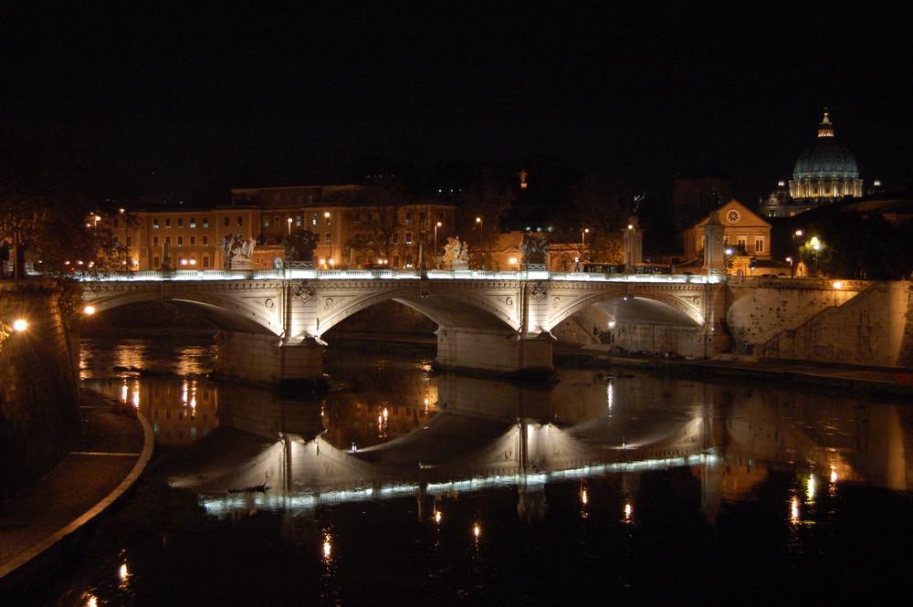 Notte sul LungoTevere di San Pietro