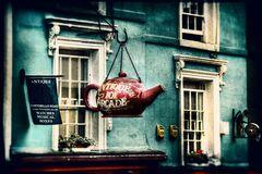 Notting Hill bittet zum Tee