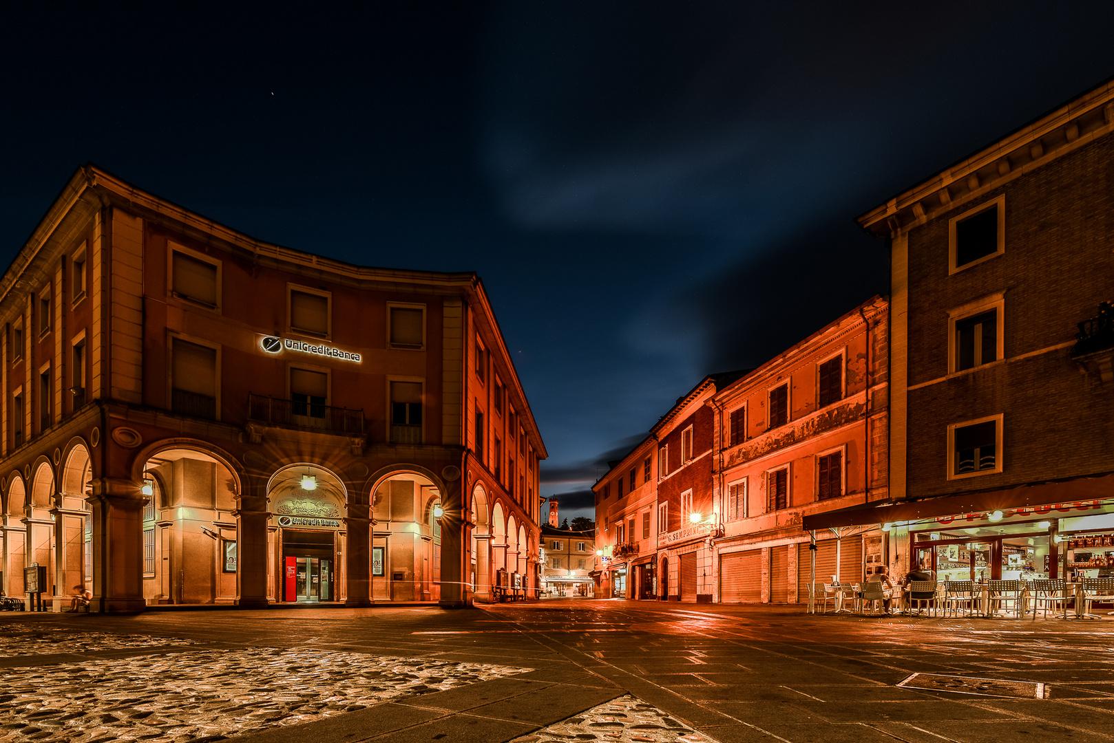 ...Notturno in piazza...