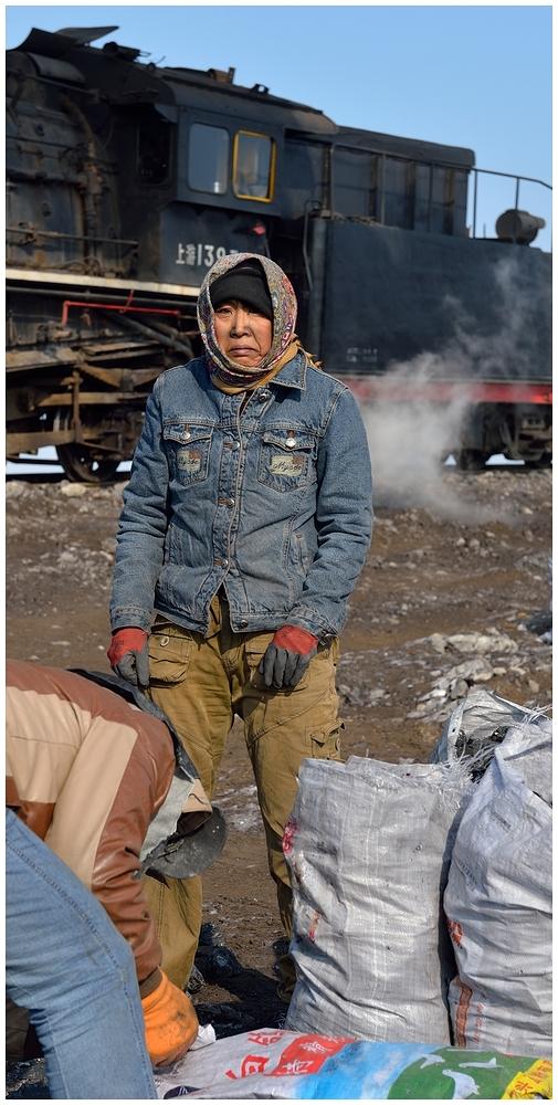 Novemberdampf in Nordchina - Auf dem Abraumberg V