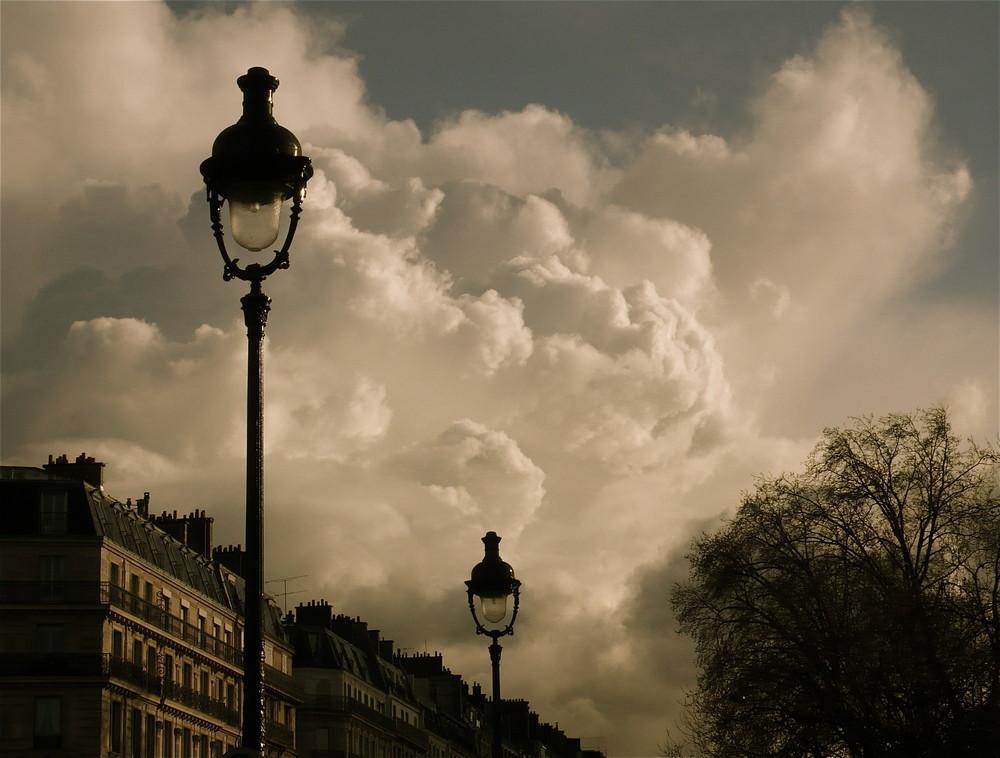 Nuages, nùvols, nubes & clouds....