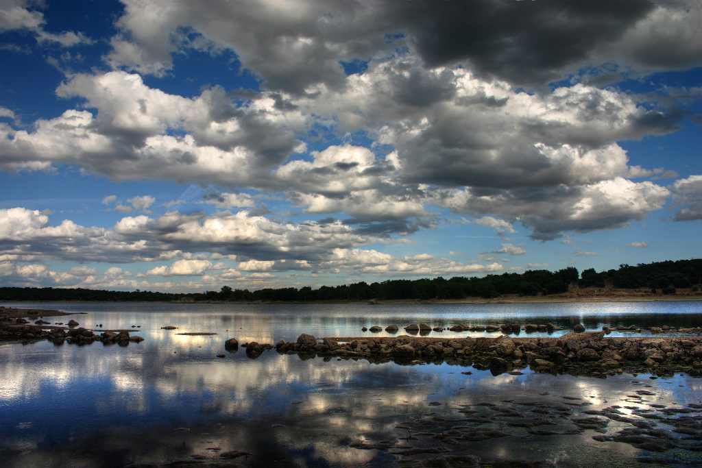Nubes y reflejos