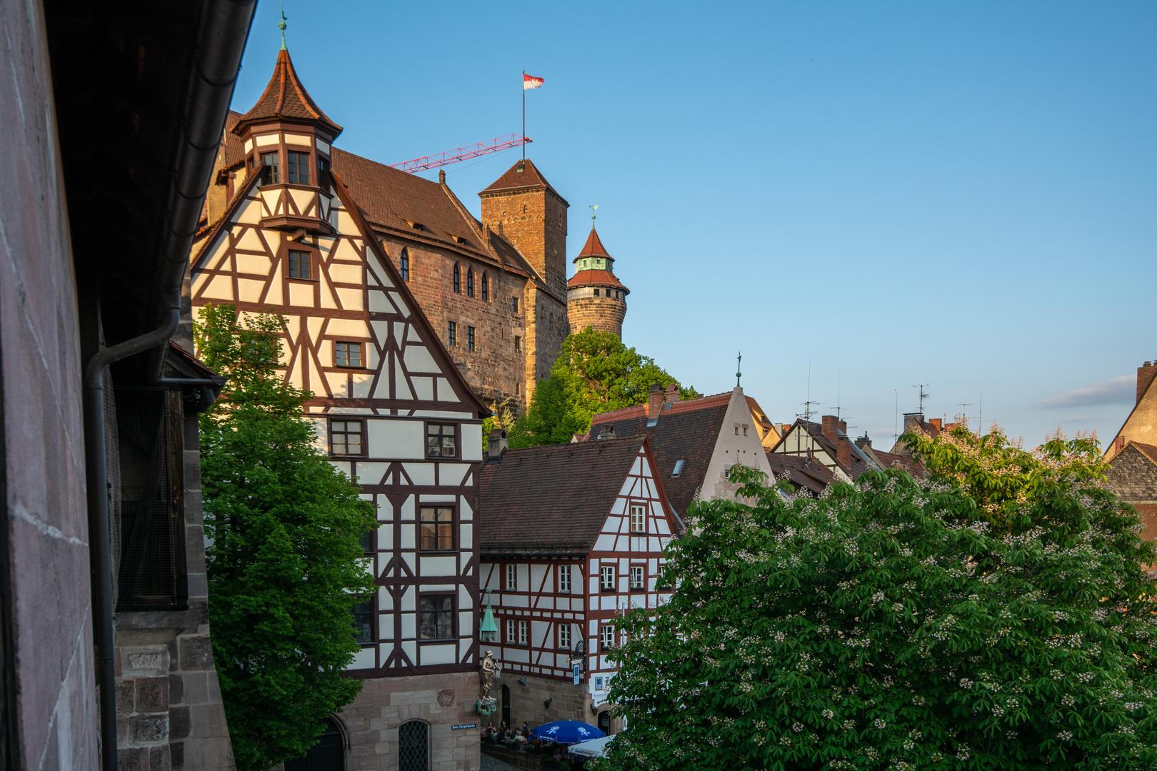 Nürnberg, Albrecht-Dürer-Haus und Burg Foto & Bild ...
