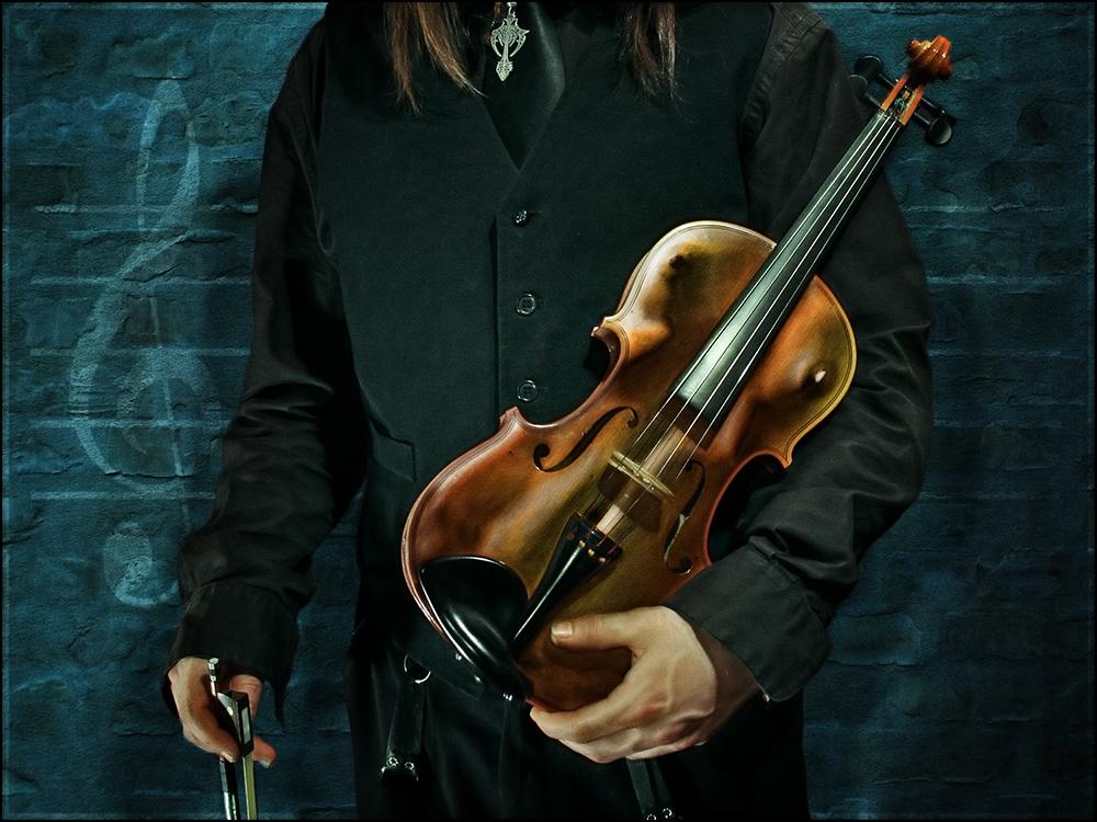 Nur aus einem wohlgeformten Klangkörper lassen sich zuweilen auch liebliche Töne entlocken !!!