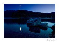 ... nur der Mond schaut zu
