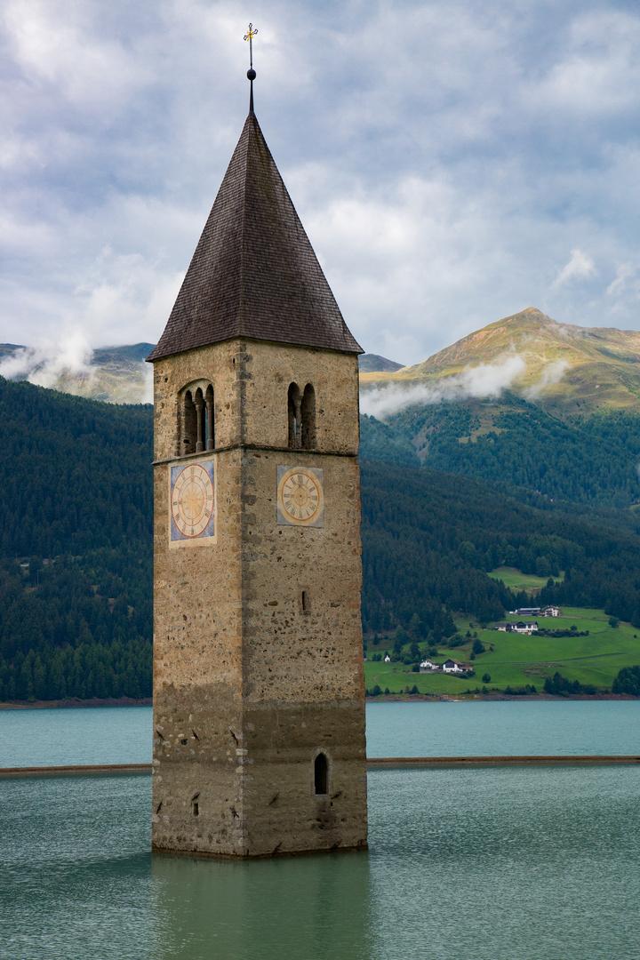 Nur der Turm blieb stehen