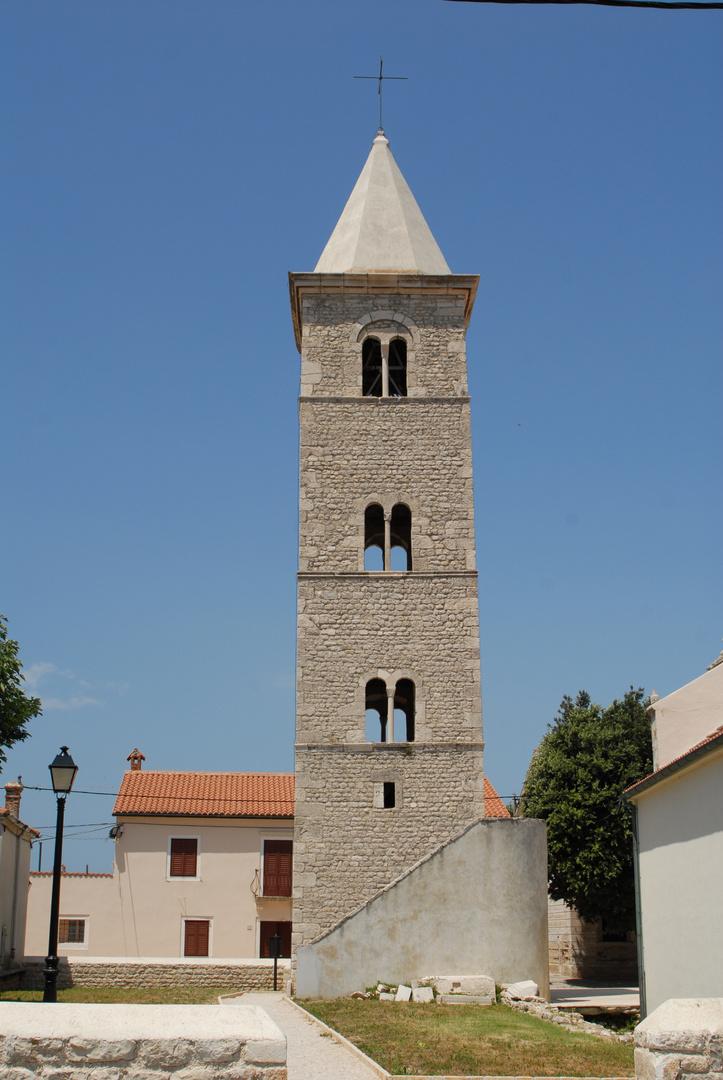 Nur ein Glockenturm 1